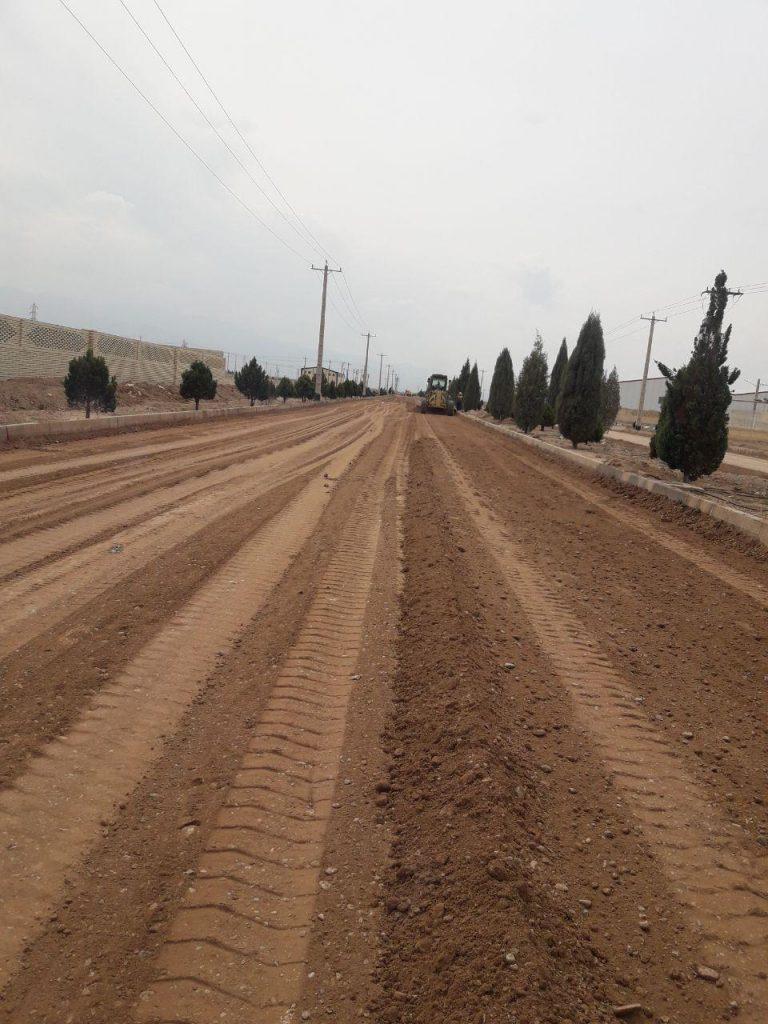 عملیات راهسازی و آسفالت شهرک صنعتی الکترونیک و منطقه ویژه اقتصادی یزد