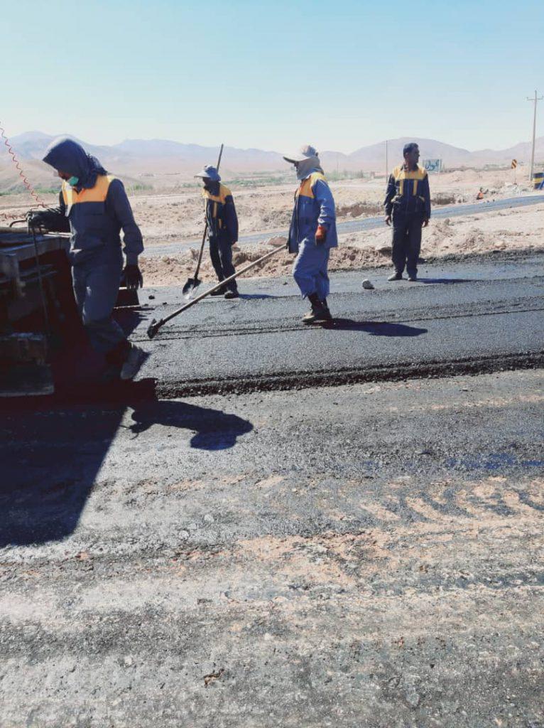 عملیات آسفالت جاده روستای پرکان بهاباد